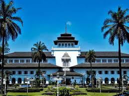 5 Destinasi Wisata Di Bandung Murah