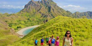 wisata pulau padar, tour ke pulau padar, objek wisata di pulau padar