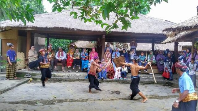 Uniknya Desa Sade Lombok Mampu Sedot Banyak Perhatian Wisatawan