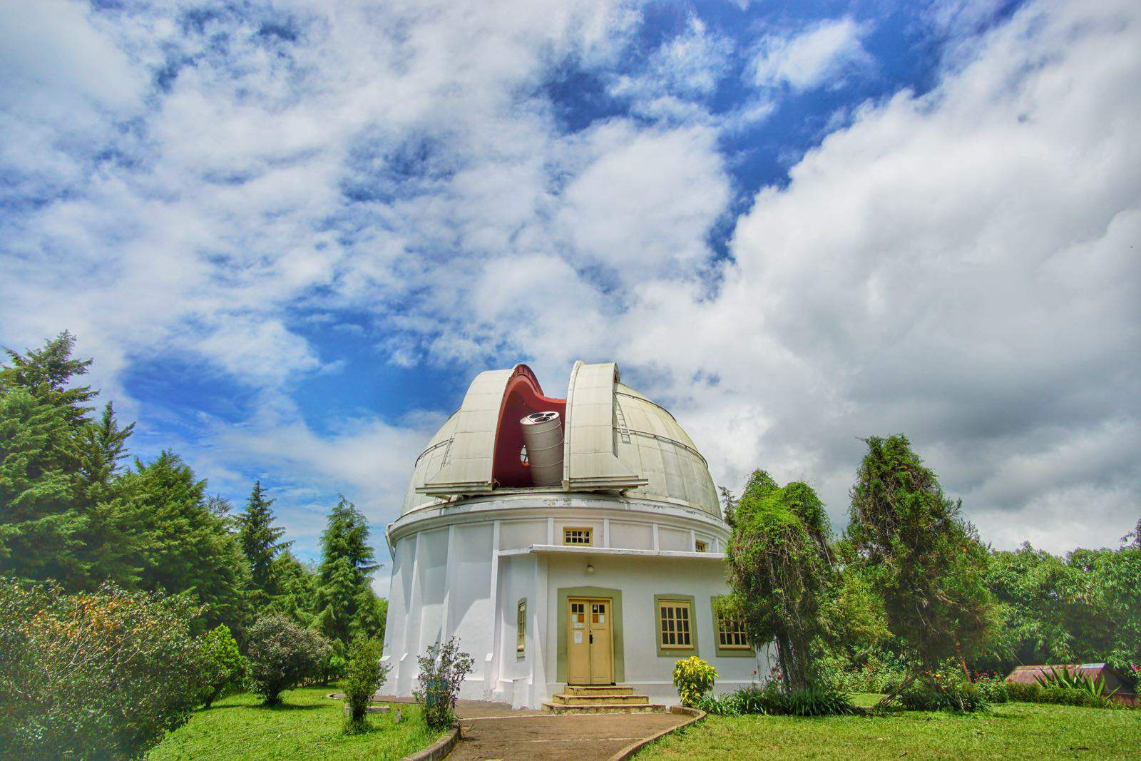 Ada Apa di Observatorium Bosscha, Bandung ?
