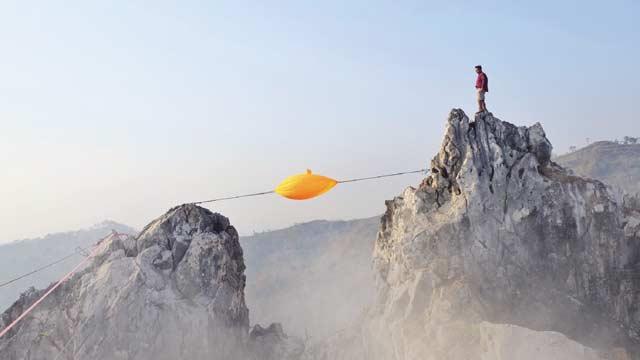 Menantang Nyali di Tebing Gunung Hawu Padalarang
