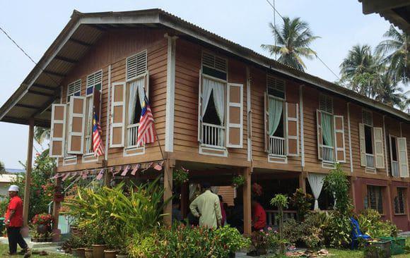 Potret Keindahan Wisata Kampung Endah Malaysia