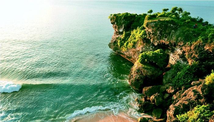 Wisata Pantai Balangan Bali