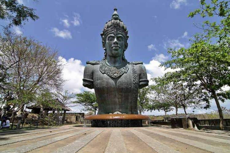 Review Tempat Wisata NuArt Sculpture Park Bandung
