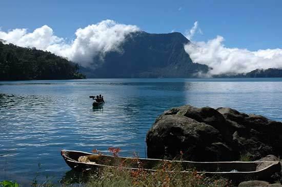 Destinasi Danau-Danau di Indonesia