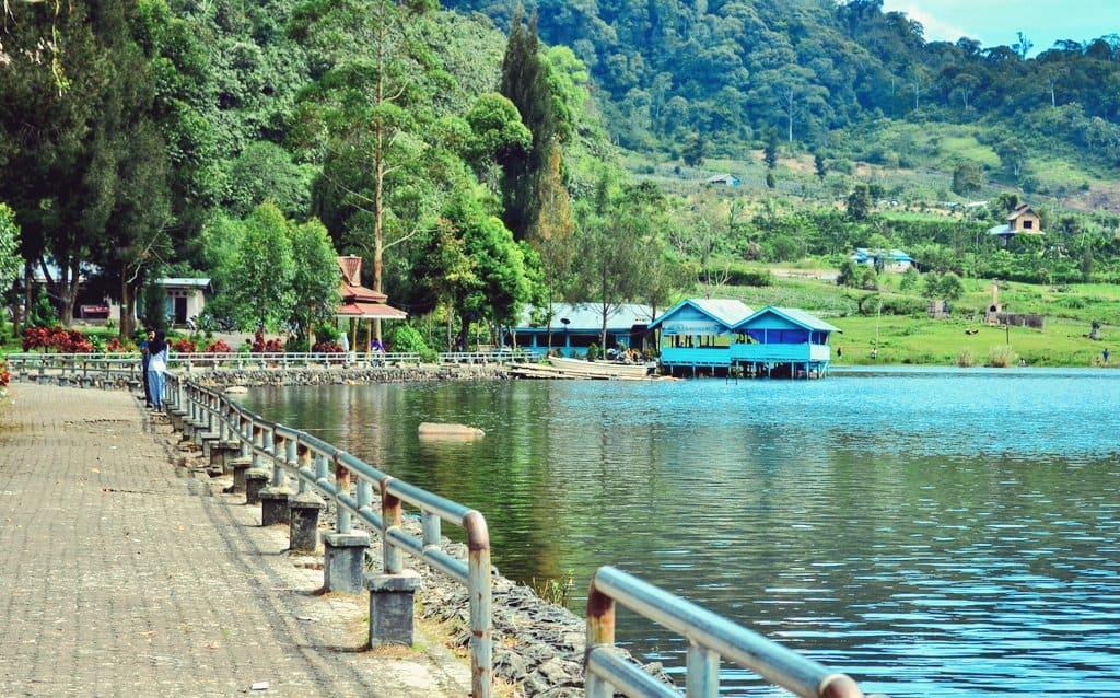 Pesona Danau Lau Kawar, Sumatra Utara