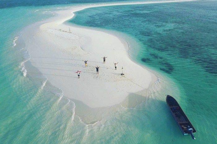 Pesona Pulau Derawan Di Kalimantan Timur