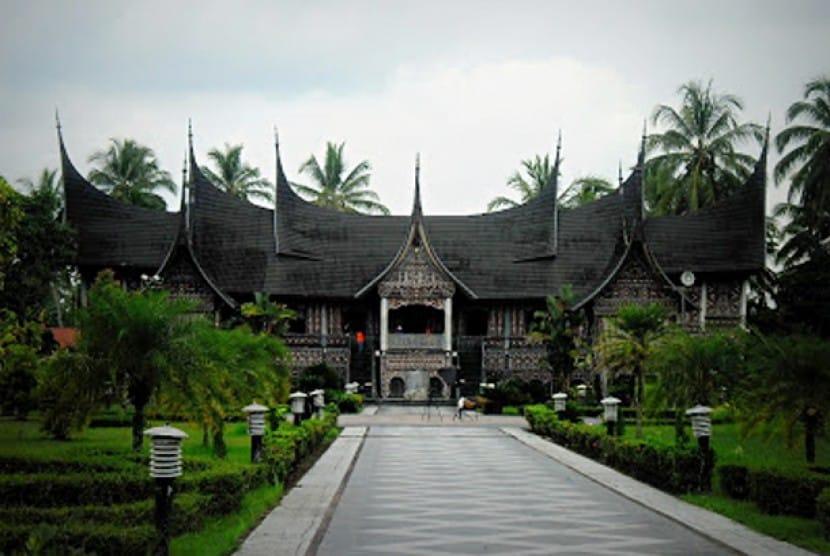 Paket Wisata Tradisi Minangkabau