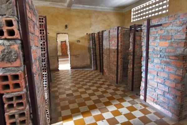 Tuol Sleng Genocide Museum, tour kamboja, wisata kamboja