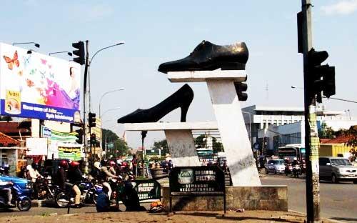 Wisata Belanja di Cibaduyut Bandung