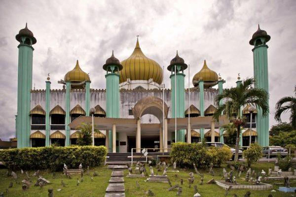 masjid agung kuching malaysia, tour malaysia, wisata malaysia murah